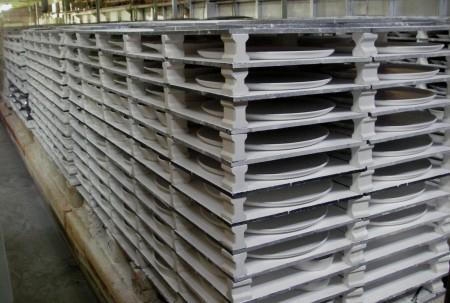 酸化物結合SiC(カーボランダム)棚板台車
