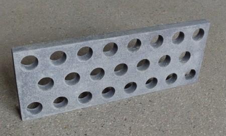 穴付きSiCプレート